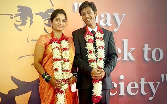 source: http://media2.intoday.in/indiatoday/images/stories/weddingstory_647_072116044925.jpg